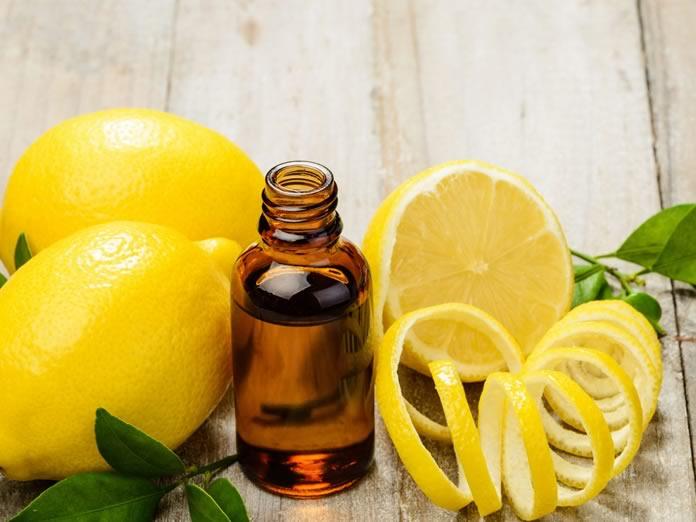 Olio essenziale di limone: che cos'è, proprietà, benefici, utilizzi e controindicazioni