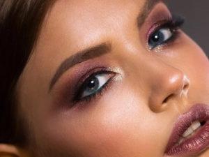 Come truccarsi gli occhi in base alla forma e al colore